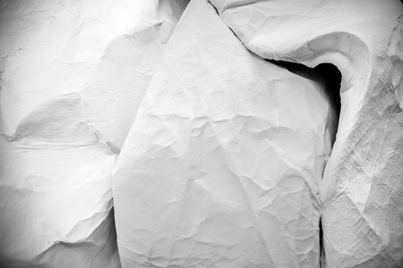sipho-mabona-folds-life-sized-elephant-from-single-paper-sheet-designboom-03-565x376