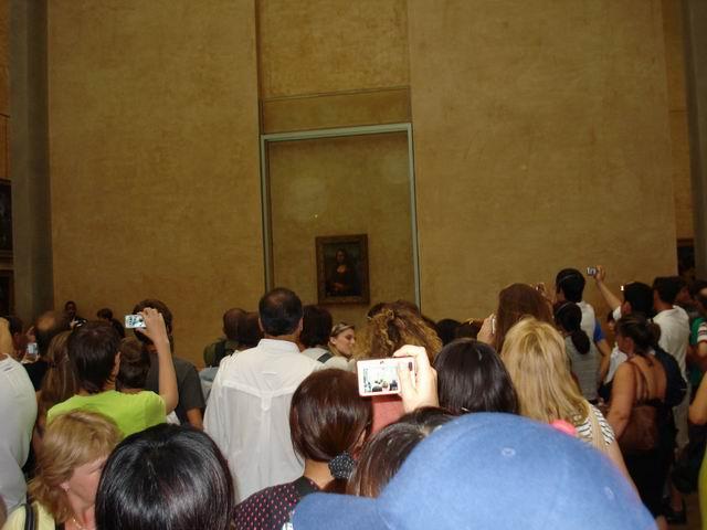 Resize of 04 Imposibil sa o vezi pe Mona Lisa de aproape