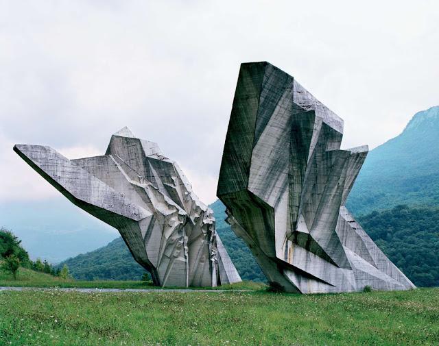 Spomenik_04