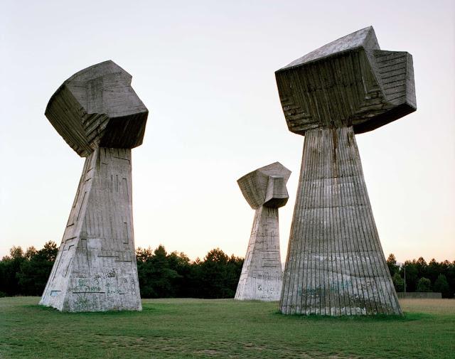 Spomenik_11