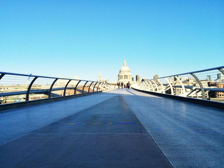 Millenium-Bridge-750x563