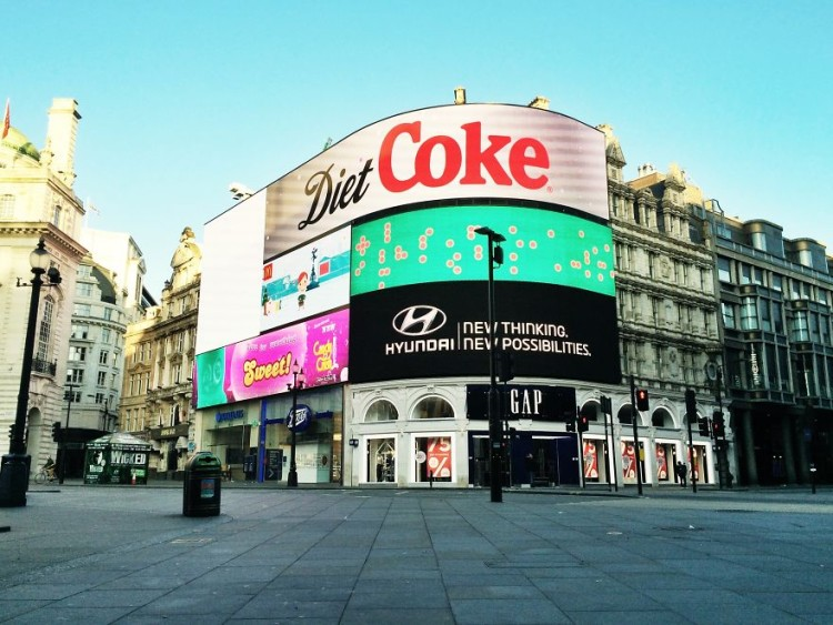 Piccadilly-Circus-750x563