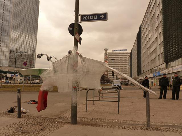 Guerilla Street Artists Make Cling Wrap Sculptures in Berlin (2)