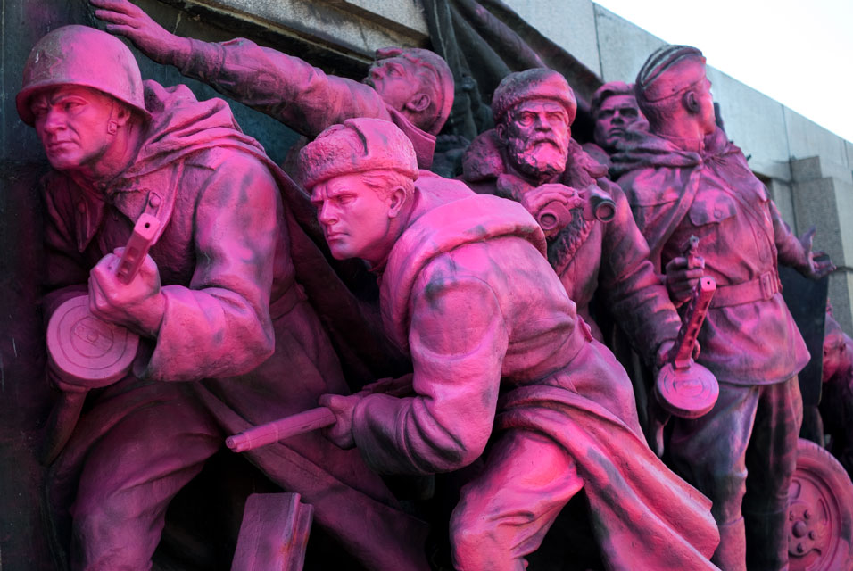 The Red Army monument in central Sofia (1)