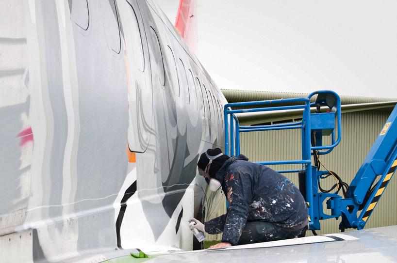 hangfire-painted-plane-designboom-08