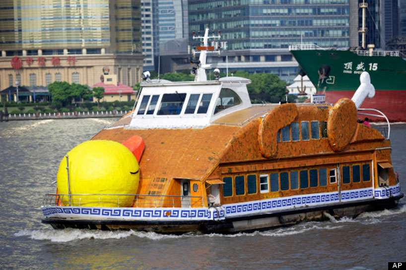 shanghai-roasts-hofmans-giant-rubber-duck-02