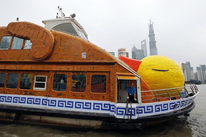 shanghai-roasts-hofmans-giant-rubber-duck-03