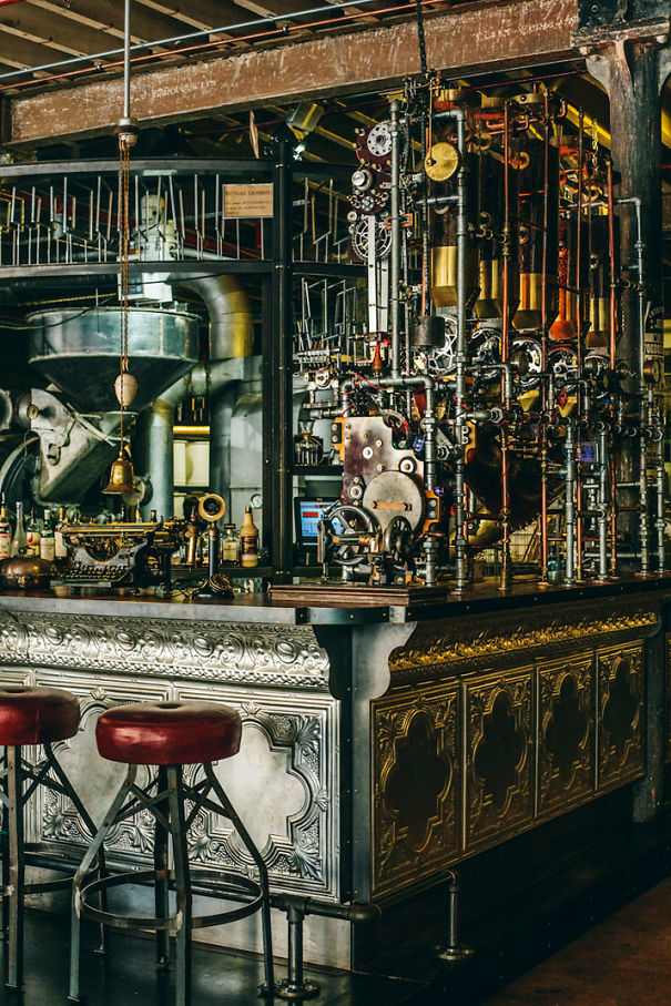 steampunk-truth-coffee-shop-cape-town-9