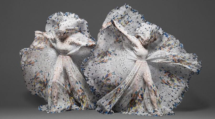 damien-hirst-+-alexander-mcqueen-unveil-skull-scarf-series-designboom-31