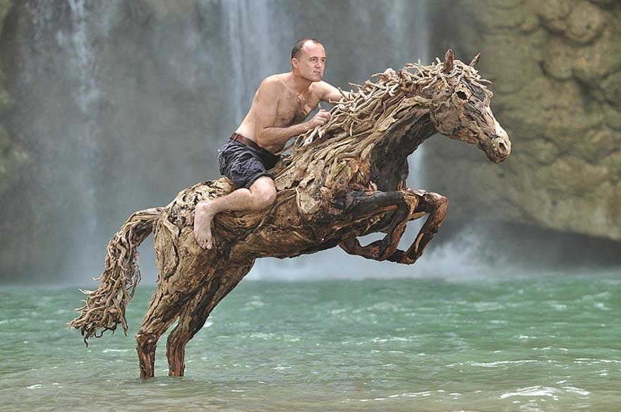 galloping-driftwood-horse-sculptures-jame-doran-webb-3