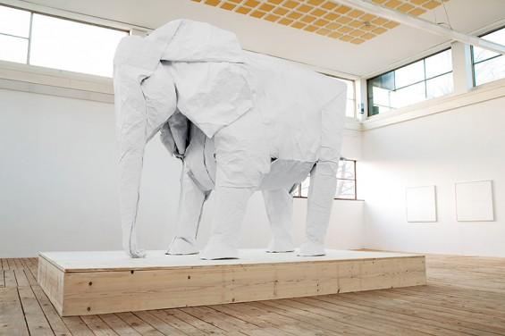 sipho-mabona-folds-life-sized-elephant-from-single-paper-sheet-designboom-01-565x376