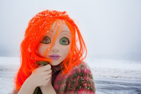 Orange-Hair-Snow-Close-Up-640-resize-565x376