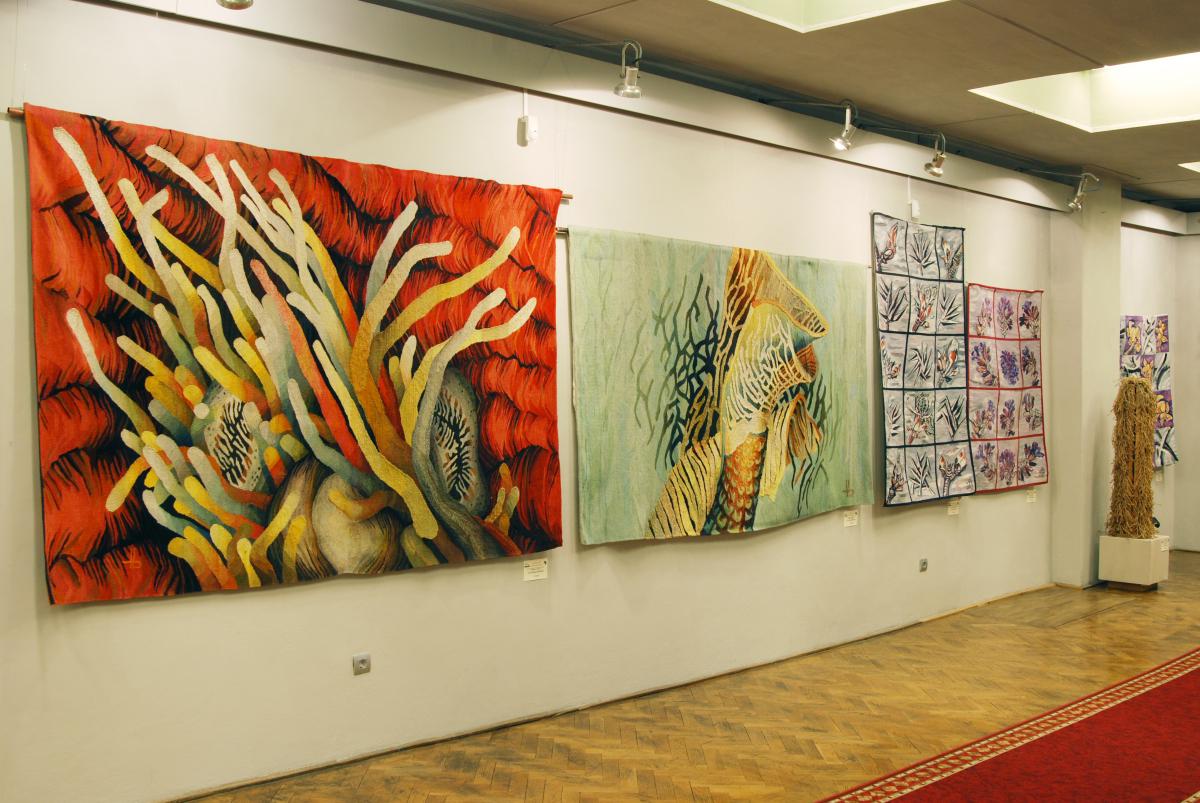 Expozitia de tapiserie BARBAŢI LA RAZBOI (2)