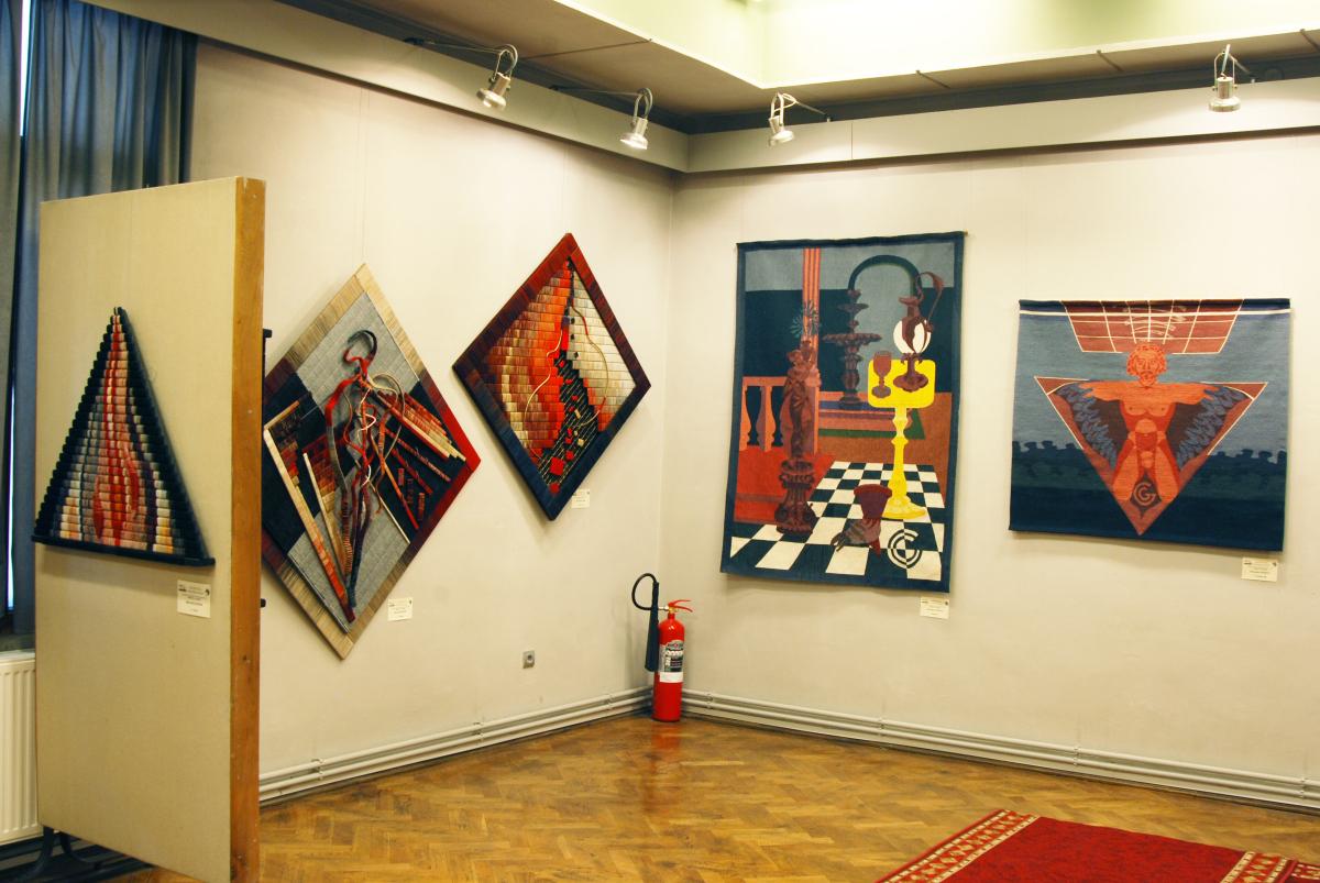 Expozitia de tapiserie BARBAŢI LA RAZBOI (6)