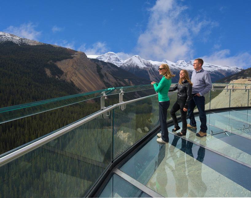 glacier-skywalk-jasper-national-park-canada-designboom-04