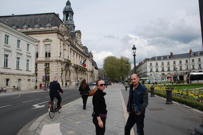 7-avril-2014---Marina-et-Artem,-place-Jean-Jaurés,-Tours