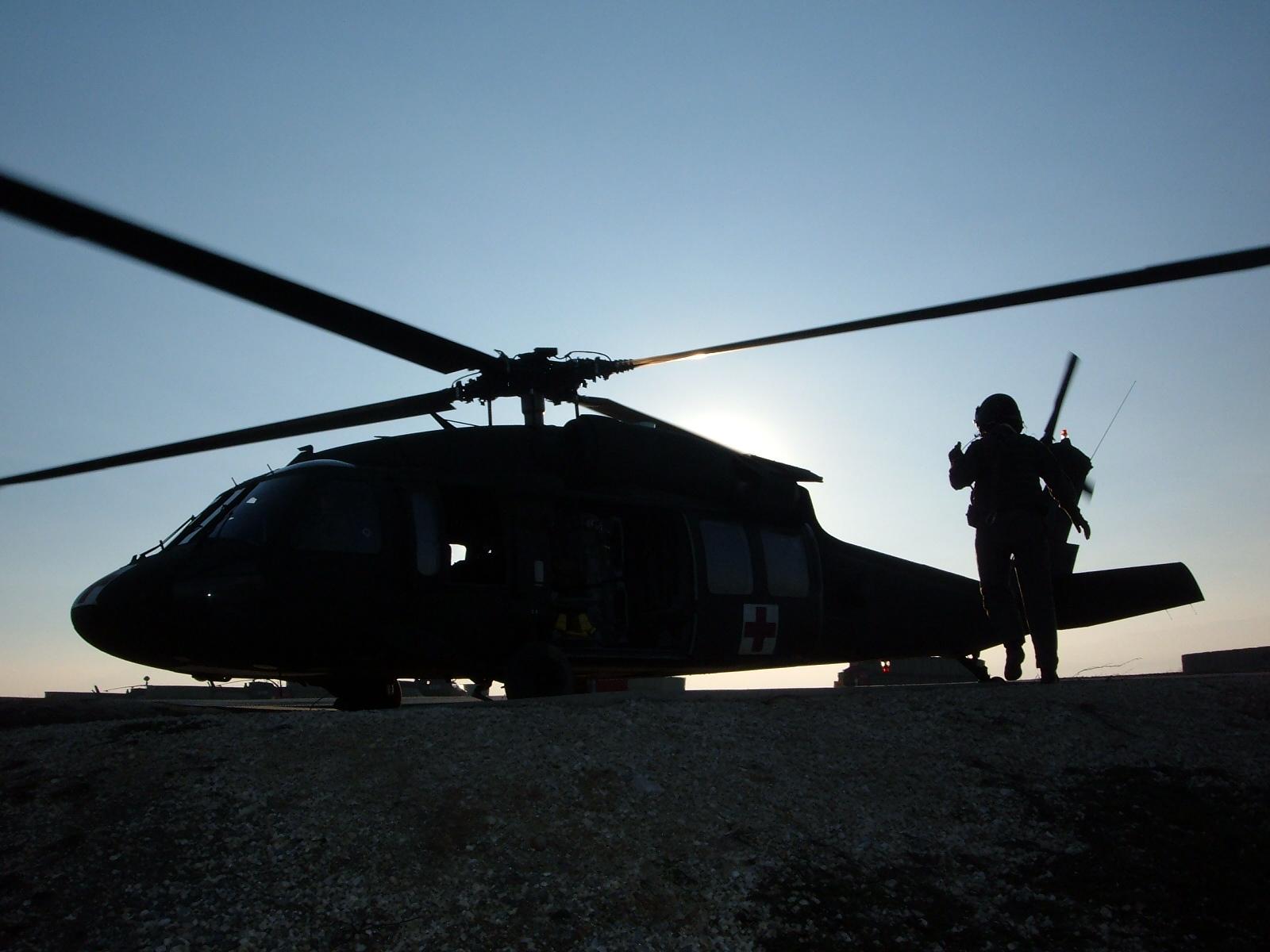 04 Black Hawk in Camp Boondsteel din Kosovo