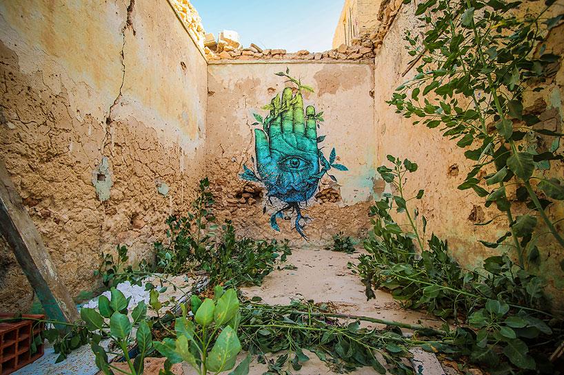 150-artists-tunisian-village-open-air-art-museum-designboom-05
