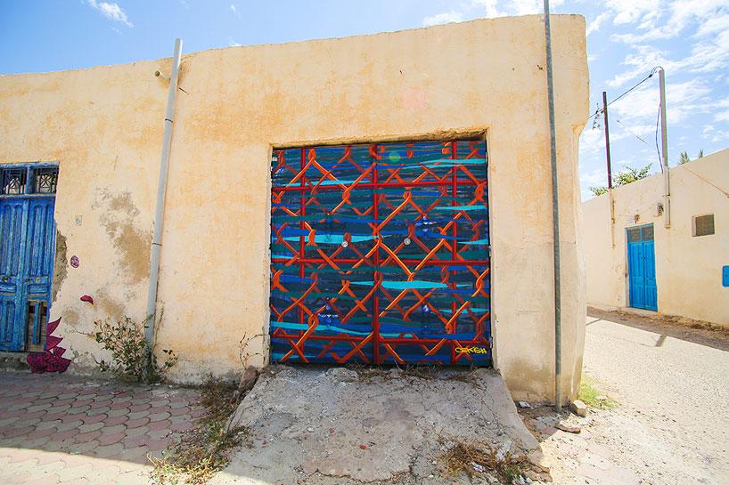 150-artists-tunisian-village-open-air-art-museum-designboom-15