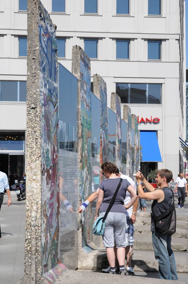 berlin wall - photo lucian muntean 11