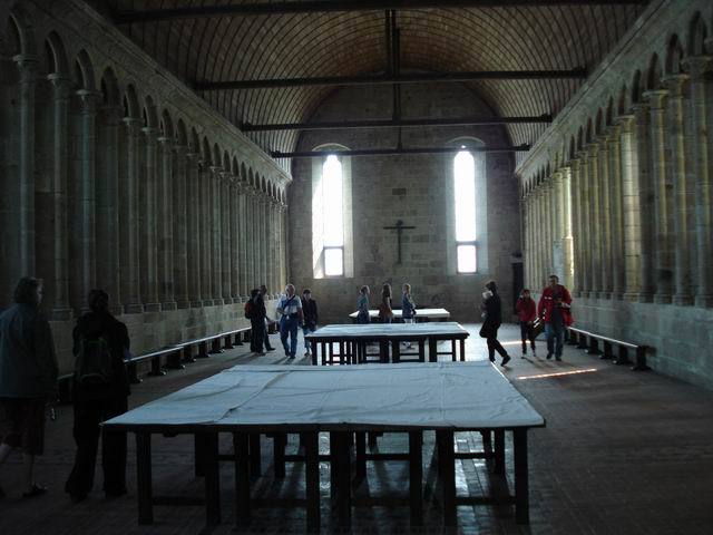 Resize of 15 Refectorium-ul abatiei St Michel
