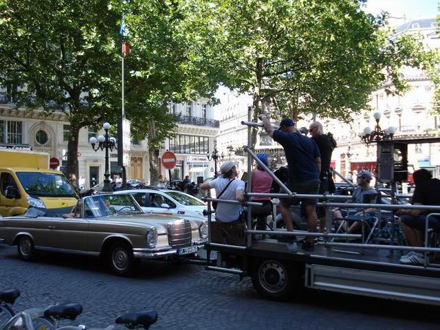 Resize of 21 Se filmeaza pe strazile Parisului