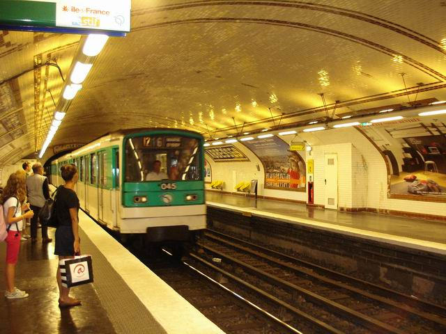 Resize of 23 Indispensabilul si atat de faimos  metrou parizian