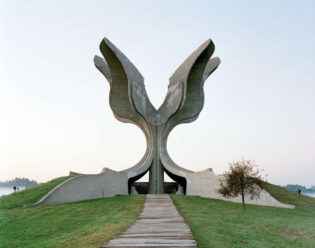 Spomenik_09
