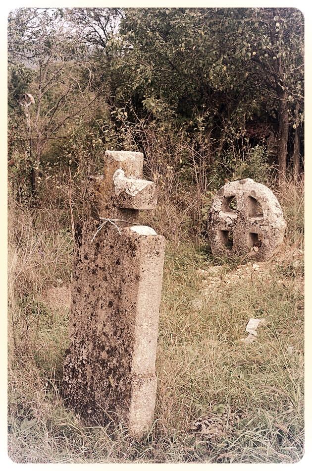 napradea - salaj cimitir - foto lucian muntean 11
