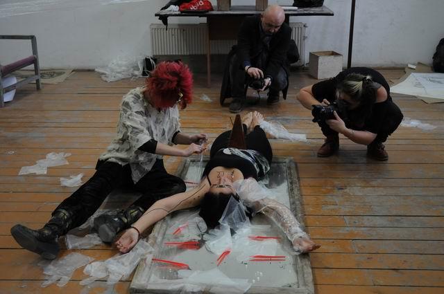 performance - facultatea sculptura foto lucian muntean 40