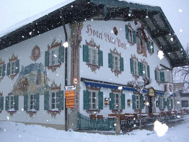 Resize of 2 Hotelul postei Vechi pe timp de ninsoare