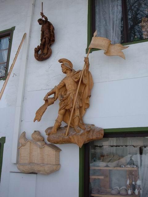 Resize of 6 Nu doar picturile ci si sculpturile impodobesc peretii caselor din Oberammergau