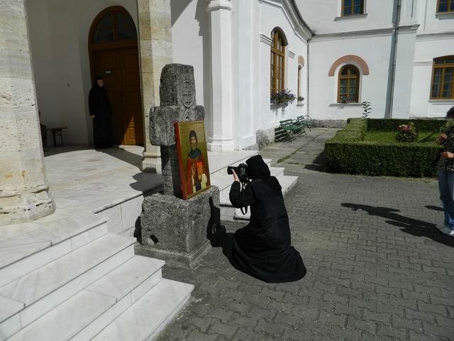 Resize of 9 Maicuta fotograf la Manastirea Bistrita