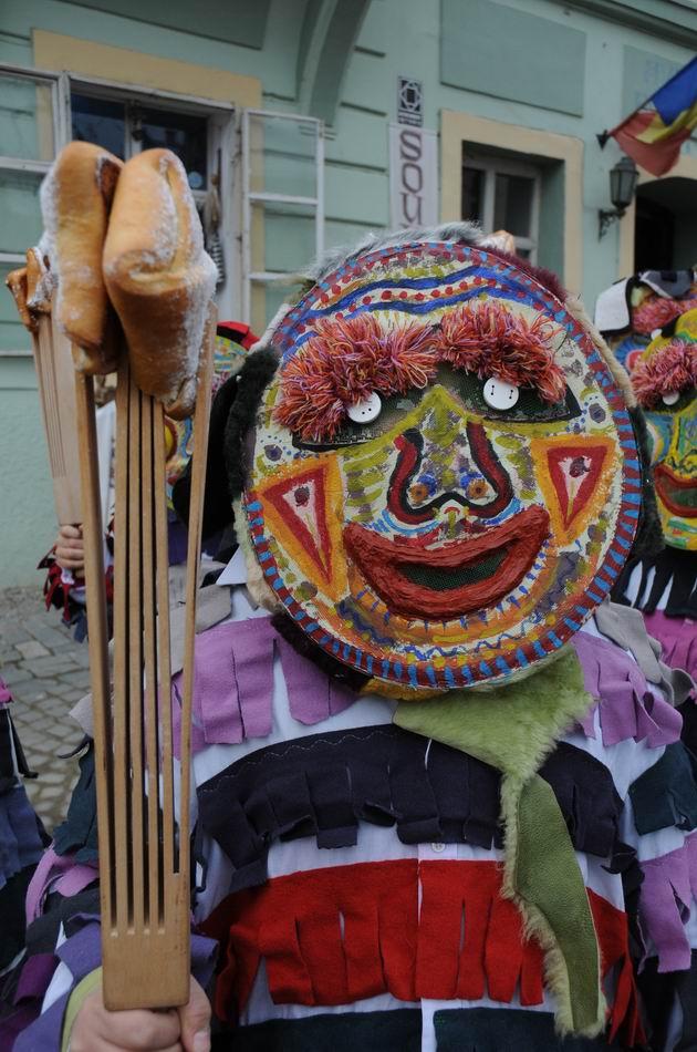 carnavalul lolelor - sighisoara foto lucian muntean _9421