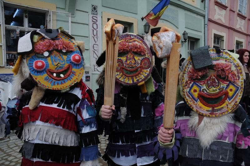 carnavalul lolelor - sighisoara foto lucian muntean _9422