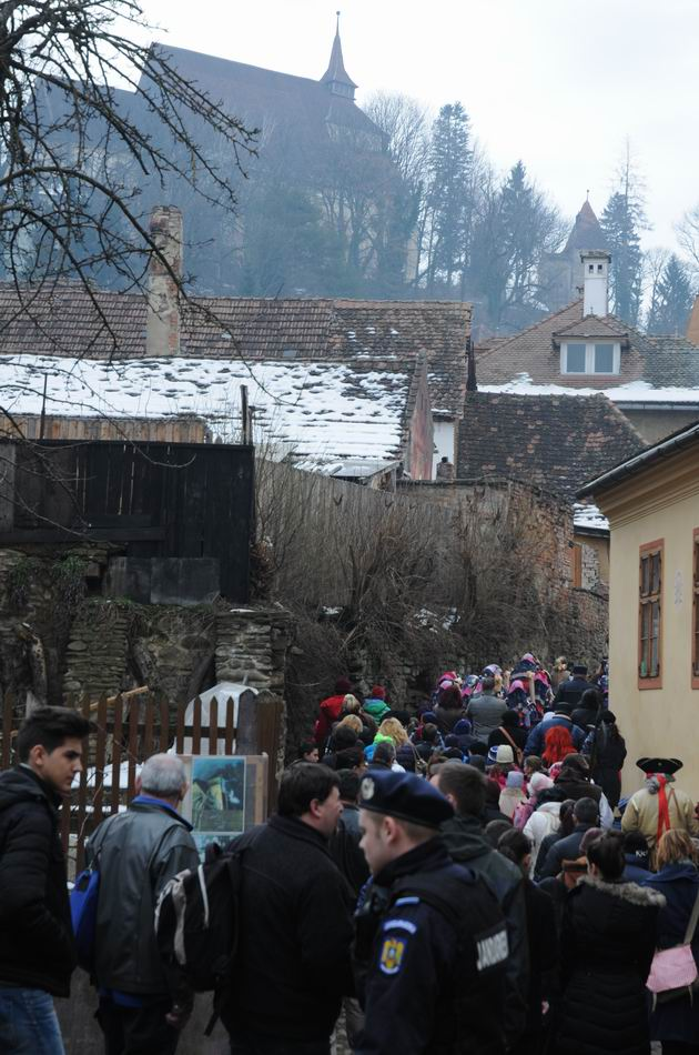 carnavalul lolelor - sighisoara foto lucian muntean _9429