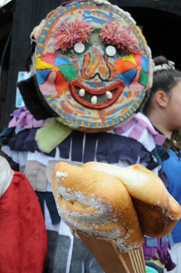 carnavalul lolelor - sighisoara foto lucian muntean _9440