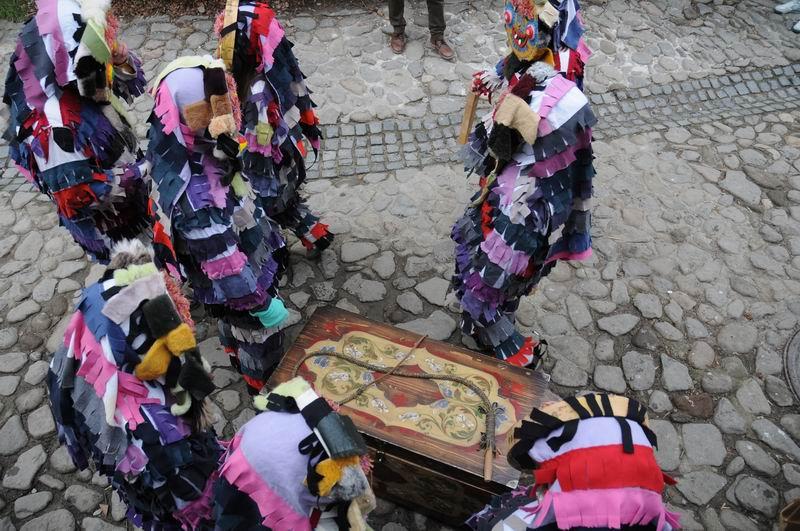 carnavalul lolelor - sighisoara foto lucian muntean _9458