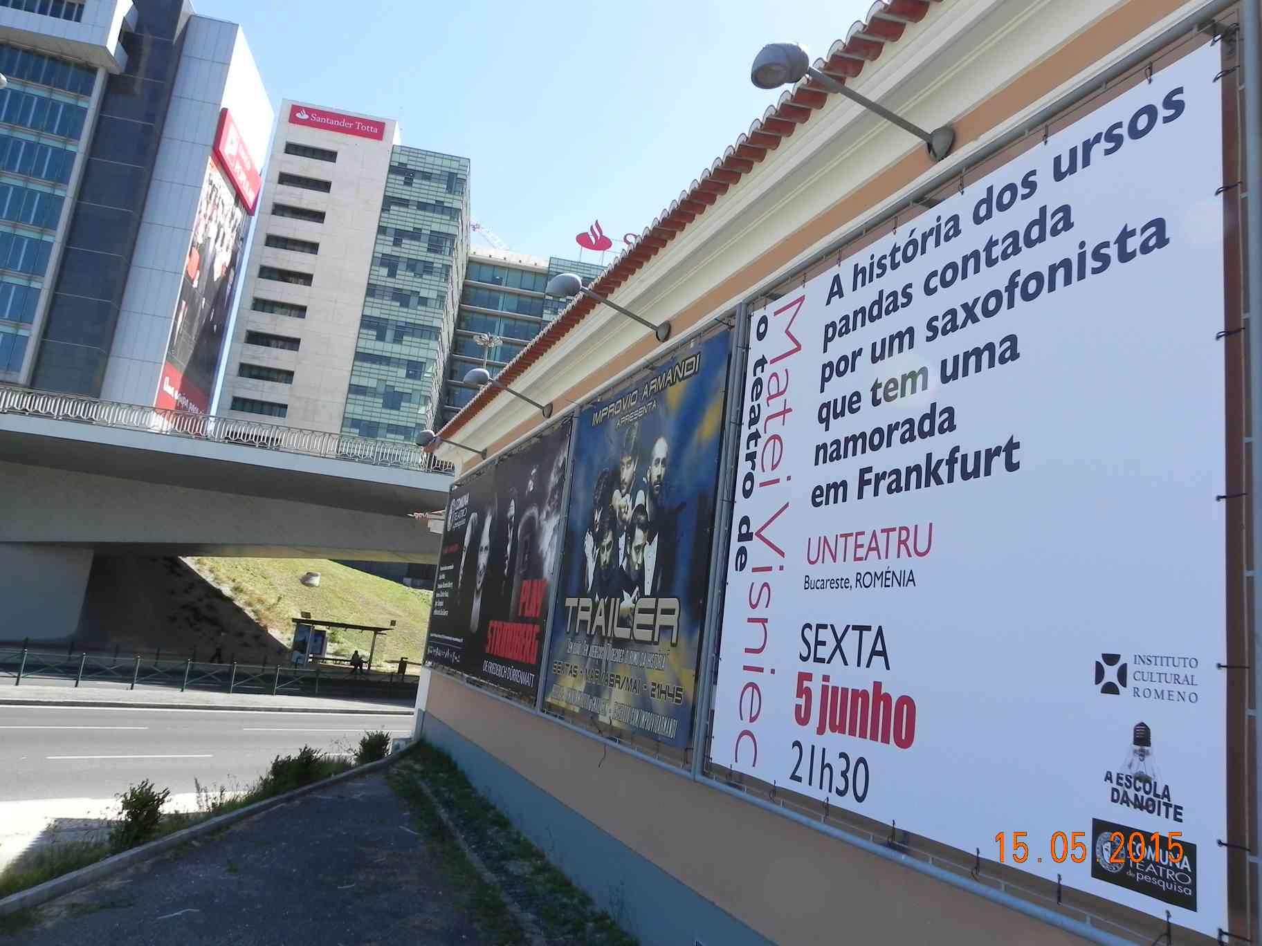 Banner_piesa de teatru Matei Visniec_Lisabona_fatada Teatro da Comuna