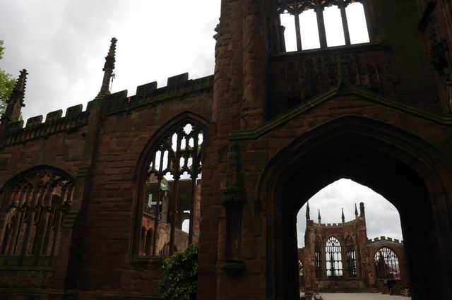 Coventry Cathedral UK - pfoto Lucian Muntean 02