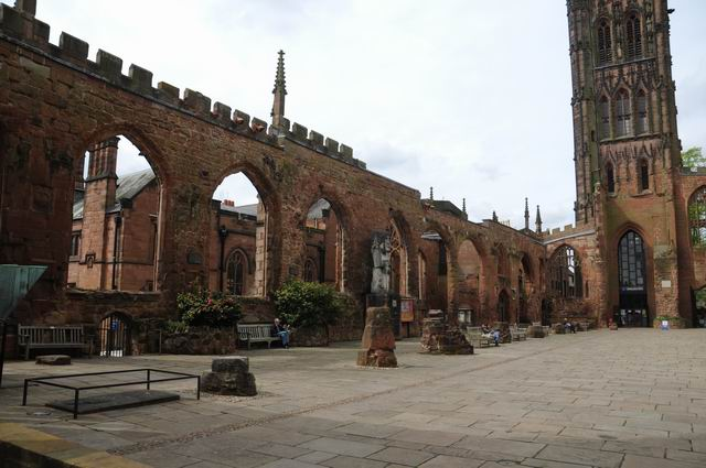 Coventry Cathedral UK - pfoto Lucian Muntean 14