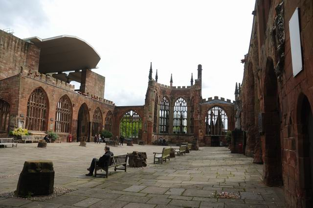 Coventry Cathedral UK - pfoto Lucian Muntean 17