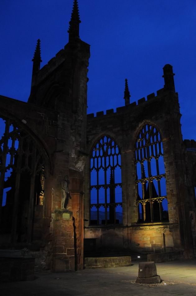 Coventry Cathedral UK - pfoto Lucian Muntean 30