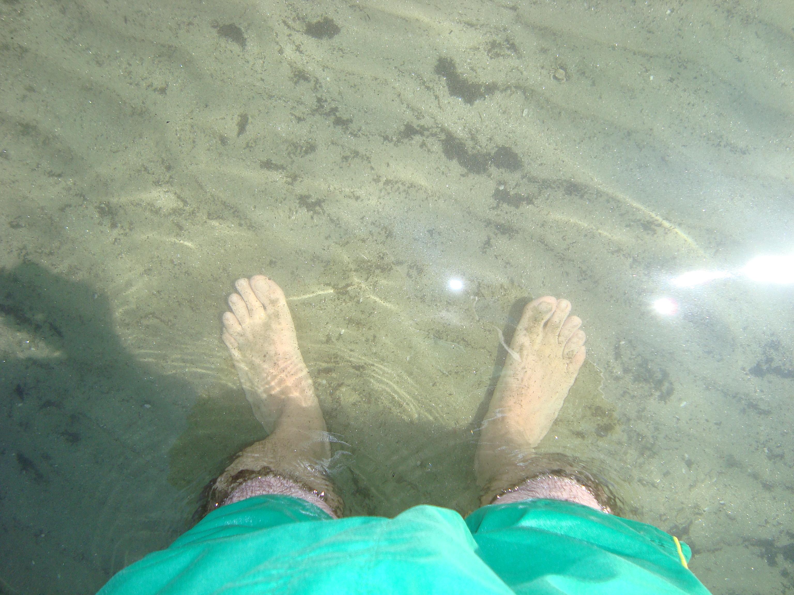 9 Picioarele mele in marea de la Mamaia