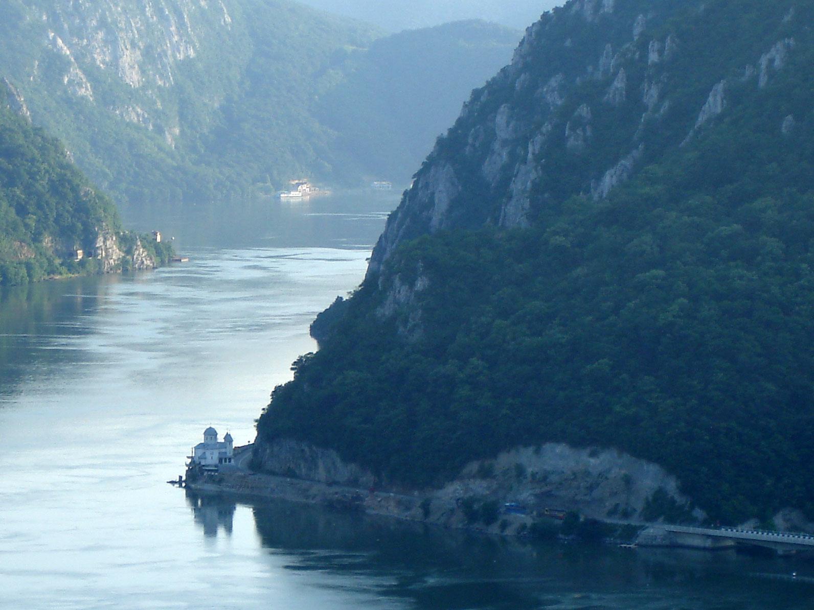 Dunarea-la-Cazane