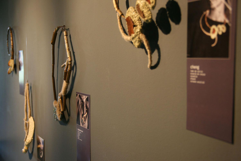 SMARANDA-BOSTAN---fragmente---Galeria-DANA-(2)