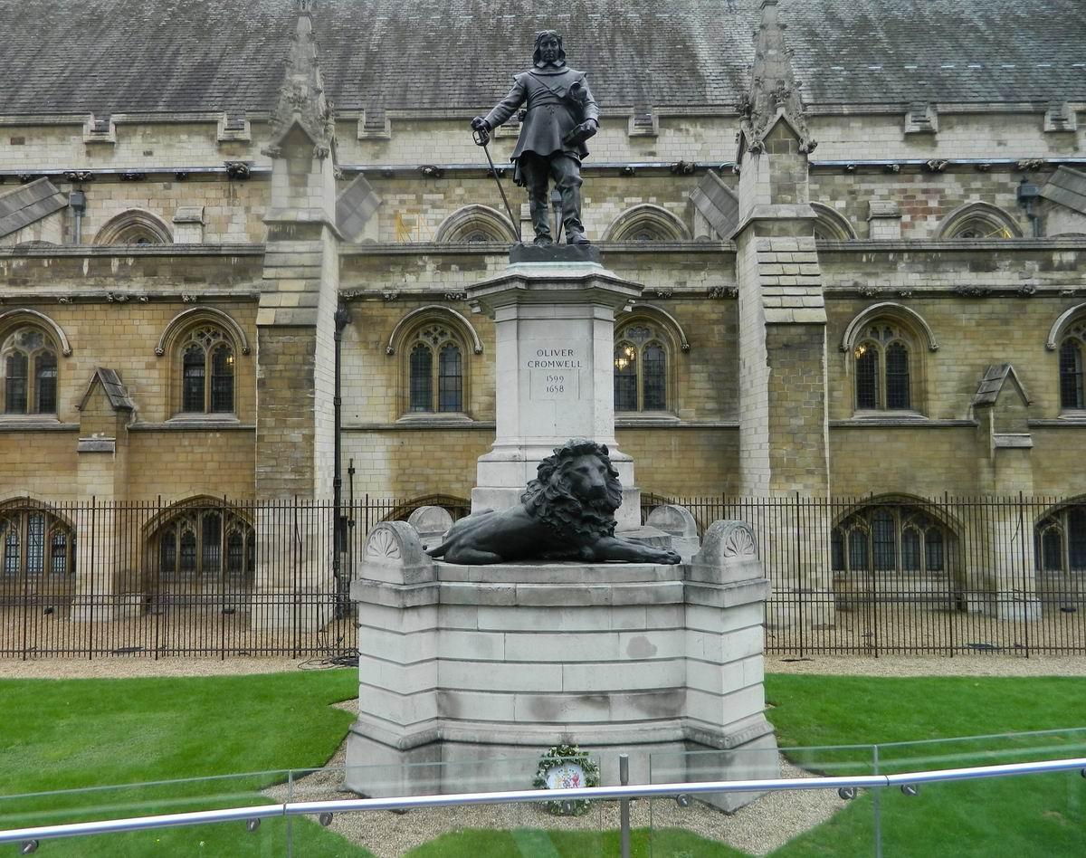Resize of 24 Cromwell inca pazeste Parlamentul britanic
