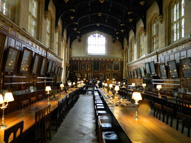 Resize of 2 Aici in Christ Church College s-a filmat Harry Potter