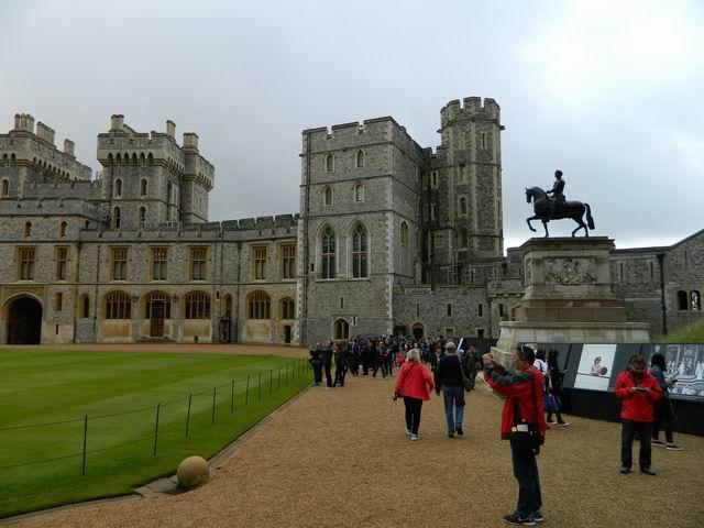 Resize of 21 Curtea interioara a castelului Windsor