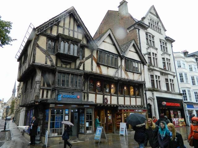 Resize of 4 Una din cele mai fermecatoare cladiri din Oxford